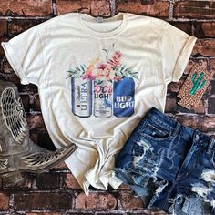 Women's clothing, graphic shirts, southern and boho styles, western fashion Grunge Outfits, Adrette Outfits, Rodeo Outfits, Preppy Outfits, Summer Outfits, Fashion Outfits, Summer Cowgirl Outfits, Fashion Edgy, Womens Fashion
