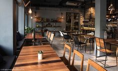 The growing Charoenkrung food and drinks scene has welcomed a proper new eatery. Taking over the space of the short-lived Saddle and Bun, 80/20 blends Thai elements into its modern decor to reflect its menu's composition: 80-percent local, 20-percent creative tweaks.