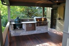 Simple outdoor kitchen with Green Egg