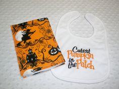 Halloween Baby Bib & Burp Cloth Set  by grinsandgigglesbaby1, $14.99 Reddit Halloween, Baby Halloween, Burp Cloth Set, Baby Bibs, Patches, Unique Jewelry, Handmade Gifts, Cute, Etsy