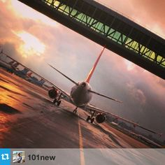 Remember to keep tagging your images #gatwick or #gatwickselfie as we'll be picking two winners in mid June! This great #skybridge shot comes from @101new