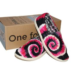 with a smart, multicolor plaid that pairs nicely with all your warm-weather basics.  # toms shoes