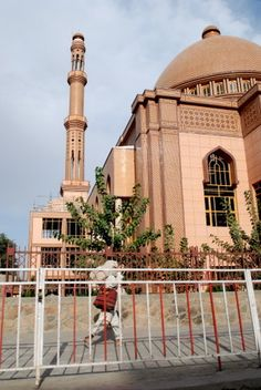 The New Mosque in Central Kabul - Kabul, AFGHANISTAN.  - کابل افغانستان (by jrozwado, via Flickr)