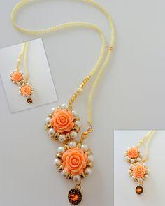 Χειροποίητο κολιέ - πέρλες, κρύσταλλα Τσεχίας, πορσελάνινα λουλούδια, γυάλινες χάντρες, μενταγιόν με εντυπωσιακή πέτρα στο εσωτερικό, ουδέτερες αποχρώσεις για εύκολους συνδυασμούς .. ένα ιδιαίτερο κολιέ για ξεχωριστές εμφανίσεις.. κωδικός (code) -K8 an-dorablelifeJWLS ------ handmade necklace, sute pearls, czech beads, porcelain flowers, glass beads, neutral colours and a pendant decorated with an impressive bead..