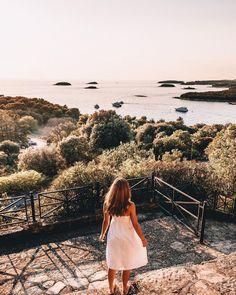 """Iris 🌸 Travel & Lifestyle on Instagram: """"Croatia, I'm in love 🇭🇷❤️ Ich war jetzt schon zum fünften Mal in Kroatien und wusste dass das Land wunderschön ist, aber durch diesen…"""" Iris, White Dress, Instagram, Travel, Croatia, Knowledge, Nice Asses, Viajes, Destinations"""