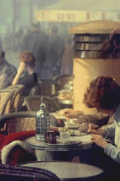 Andrew's Top Five Finds of November: The stylish and incredibly romantic 1940s and '50s photography of Saul Leiter as seen in T Magazine.