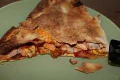 Improvised crunchy, cheesy Quesadilla Keep It Simple, Quesadilla, The Dish, Easy Meals, Pie, Dishes, Cooking, Desserts, Recipes