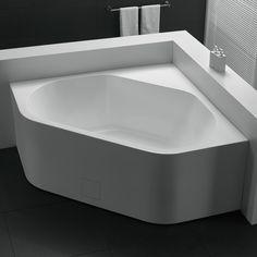 </br> <p>Celeste Napoli for hjørnemontering kommer i tradisjonelt design, i 140 cm bredde. Badekaret leveres med justerbare ben på aluminiums ramme og med en luke i front for lettere tilgang til sluk. Badekaret i ren hvit glassfiber armert akryl har en b