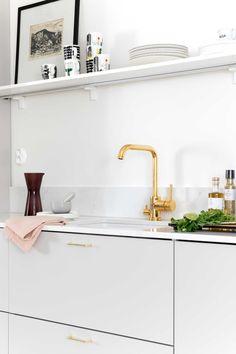 Topi-Keittiöt toteutti unelmien keittiön Munkkiniemeen | Meillä kotona Sink, Kitchen, Home Decor, Kitchens, Sink Tops, Vessel Sink, Cooking, Decoration Home, Room Decor
