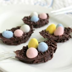 What a great idea! even for something to do with the left over candy!!!   Chocolate Easter Egg Baskets - On a Spoon!