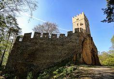 Nenapadá vás, kam si zajet udělat krásný výlet? A co české hrady? Ukážeme vám 30 nejkrásnějších hradů v ČR, které stojí za to navštívit. Monument Valley, Nature, Travel, Instagram, Naturaleza, Viajes, Destinations, Traveling, Trips