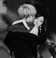 Yoongi x Jisoo Bts Girl, Kpop Couples, Blackpink And Bts, Kim Yugyeom, Blackpink Jisoo, Min Suga, Seungri, Boyfriend Girlfriend, Bts Wallpaper