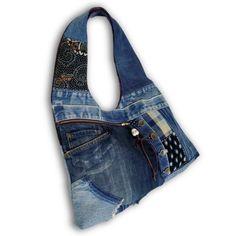 一点もの。古着ジーンズと藍染め絣と手染め藍染めデニムの大きめなリメイクHOBOバッグです。 カジュアルファッションにお勧めです。バッグの内側は、着物地の総裏付...|ハンドメイド、手作り、手仕事品の通販・販売・購入ならCreema。