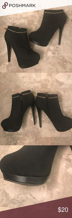 """Just Fab Heels Gently worn, good condition. Minor wear on sole shown. Comfortable. Adorable for going out. Approximately 5.25"""" tall heel. Really cute tassel detail. Urban for exposure Urban Outfitters Shoes Heels"""