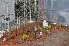 ガーデニング初心者さん必見! 初めての本格的な「バラの花壇」づくり[完全保存版] | GardenStory (ガーデンストーリー) Garden, Plants, Products, Garten, Lawn And Garden, Gardens, Plant, Gardening, Outdoor