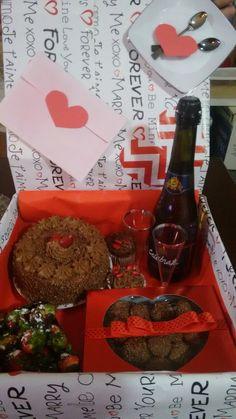 Festa na caixa / ideias / dia dos namorados / mêsversário / aniversário de namoro / presentes para o namorado