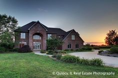 Quincy, IL 3D Virtual Tours and Real Estate Photography  900 S. 57th Quincy, IL - 3D Showcase brought to you by Chris Dye of Happel Realtors, Inc.          This exquisite home located in Quincy's southeast side has all of the amenities you could th...