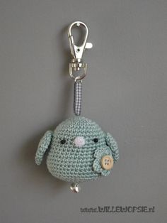 vogeltje- mintgroen Crochet Gifts, Cute Crochet, Crochet Toys, Crochet Baby, Knit Crochet, Crochet Bookmark Pattern, Crochet Bookmarks, Crochet Patterns Amigurumi, Crochet Flower Tutorial