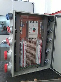 Electrical Cabinet, Electrical Wiring, Electrical Engineering, Distribution Board, Road Cases, Electrical Circuit Diagram, Electrical Installation, Control Panel, Locker Storage