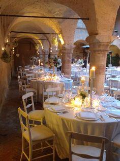 particolare della cena nel chiostro. matrimonio in Umbria. Italy wedding