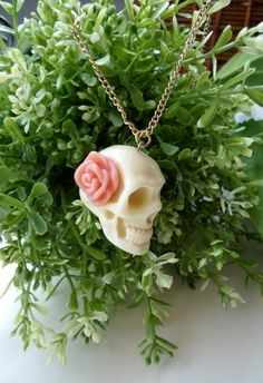 Rose Skull Necklace #Chicwish