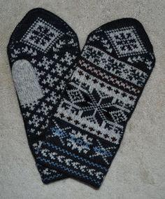 Wool Mittens Norwegian Scandinavian folk art hand crafted