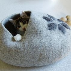 Pet bed - Cat bed - Cat cave - puppy bed - cat house - pet