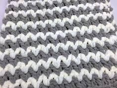 Crochet Baby Blanket Trendy Crochet Baby Blanket by Mikey - Not all new mom's of today are looking for baby blankets that are the pinks, blues or baby colours. Crochet Baby Blanket Tutorial, Easy Baby Blanket, Crochet For Beginners Blanket, Blanket Yarn, Afghan Crochet Patterns, Baby Blankets, Crochet Blankets, Baby Afghans, Crochet Afghans
