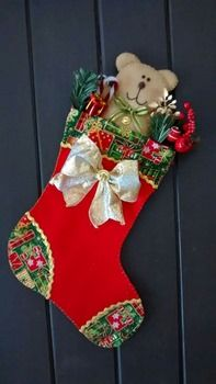 Botas Navideñas con Fieltro (15 Ideas) Felt Stocking, Holiday Crafts, Holiday Decor, Xmas Stockings, Xmas Decorations, Beautiful Christmas, All The Colors, Christmas Time, Craft Projects