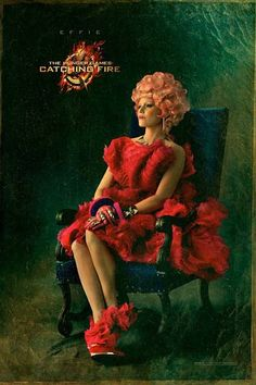 """Check out the FIRST """"Capitol Portrait"""" from Catching Fire, featuring Elizabeth Banks as Effie Trinket!"""