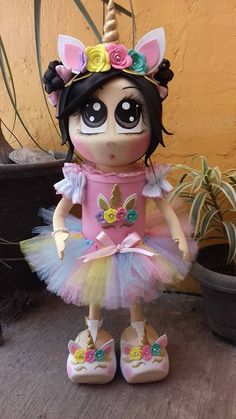 Lata unicornio Unicorn Birthday, Unicorn Party, Foam Crafts, Diy And Crafts, Projects For Kids, Craft Projects, Jasmine Party, Diy Cans, Unicorn Halloween