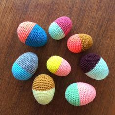 YARNFREAK: DIY: Påskeæg i Venus Crochet Food, Easter Crochet, Knit Crochet, Easter Projects, Easter Crafts, Easter Toys, Crochet Home Decor, Learn To Crochet, Crochet Projects