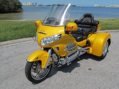 2002 Honda Goldwing Gl1800 W/ 2011 Champion Sidecars Trike Kit