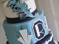 love this art-deco cake with fondant feather!