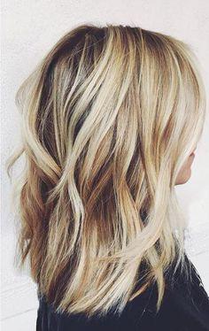 - Haare, Nägel & Make-up - - frisuren - Cabello Rubio Hair Day, New Hair, Your Hair, Medium Hair Styles, Short Hair Styles, Blonde Wavy Hair, Blonde Brunette, Blonde Hair With Layers, Blonde Hair Colour