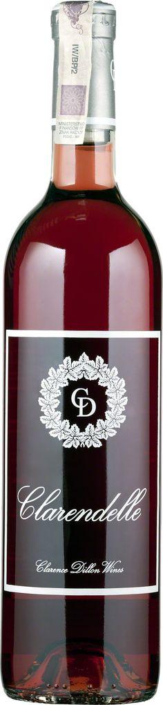 """Clarendelle Rose Rzadko spotykany na naszym rynku rarytas - różowe Bordeaux. Bardzo ciekawy kupaż wnoszącego przyjemną owocowość Merlot i kwiatowe """"pięć groszy"""" Cabernet Franc. Nowoczesne, krągłe, czyste i pozbawione zapędów urzekania cukrem resztkowym, raczej subtelnością i integracją, którą zdradza delikatny pomarańczowy błysk na różowej sukni. Łososie i szczupaki znajdą w nim kolegę.  #Wino #Bordeaux #Winezja #Clarendelle #Rose Saint Emilion, Wine, Bottle, Drinks, Recipes, Drinking, Beverages, Flask, Food Recipes"""