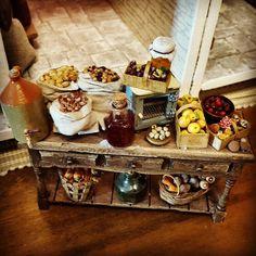 The side table in the Georgian larder    #lovelylittleminiatures #miniatures #miniaturefood #roombox #dollhouse #dollshouse #puppenhaus #poppenhuisproject #dockhus #casitasdemuñecas #georgianstyle