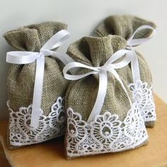 New Nature Wedding Favors Gifts Ideas Wedding Favors And Gifts, Wedding Favor Bags, Lavender Crafts, Lavender Bags, Lavander, Candy Buffet Bags, Fabric Gift Bags, Decoration Originale, Wedding Linens