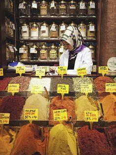 market spices  - organized
