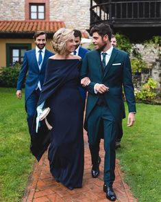 STYLE maximum that of the godmother of the authentic Today on … Mother Of Groom Dresses, Mother Of The Bride, Mom Dress, Bridesmaid Dresses, Wedding Dresses, Quinceanera Dresses, Wedding Styles, Fashion Dresses, Instagram