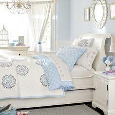 Beautiful Girls room in blue!