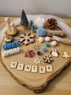 Winter wonderland loose parts play   Etsy Cardboard Gift Boxes, Kids And Parenting, Parenting Tips, Printed Cushions, Baby Led Weaning, Bank Holiday, Sensory Play, Winter Theme, Baby Sleep