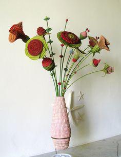 ECOMANIA BLOG: Con Cartón, Joyas y Flores de Cartón