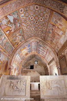 Abruzzo una terra da scoprire - secrets and treasures San Pellegrino, Fresco, Best Travel Guides, Architecture Old, Medieval Art, Romanesque, Grand Tour, Kirchen, Luxury Travel