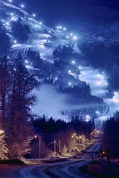 Girdwood - Alaska... I want to visit this place.