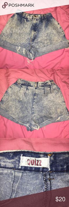 High wasted Vintage Shorts High wasted vintage shorts. Run like a size 0 and hit right above the belly button. Super cute! Quizz Shorts Jean Shorts