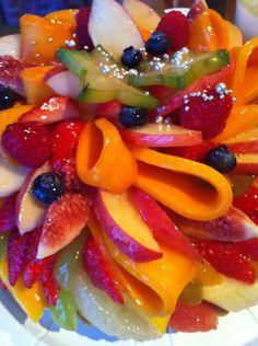 Je kan je moeder natuurlijk ook op een gezonde manier verwennen. Met fruit bijvoorbeeld!