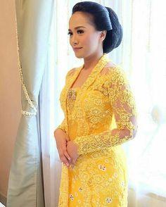 Pin on parenting Kebaya Lace, Batik Kebaya, Kebaya Dress, Vera Kebaya, Dress Brokat Modern, Modern Kebaya, Model Kebaya Brokat Modern, Trendy Dresses, Dresses For Teens