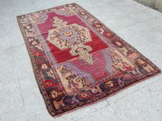 Unique Old Design Wool Rug Vintage Oushak Rug by HANDSONHIPS