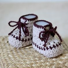 Free Crochet Pattern - Baby Moccasins from the Baby booties and mittens Free Crochet Patterns Category and Knit Patterns, 175 patterns for baby